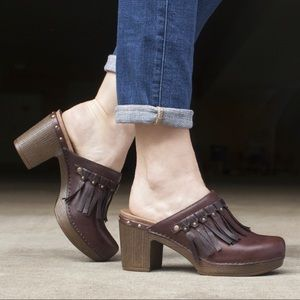 Dansko Deni Mules Size 38 (US 8) in Chocolate